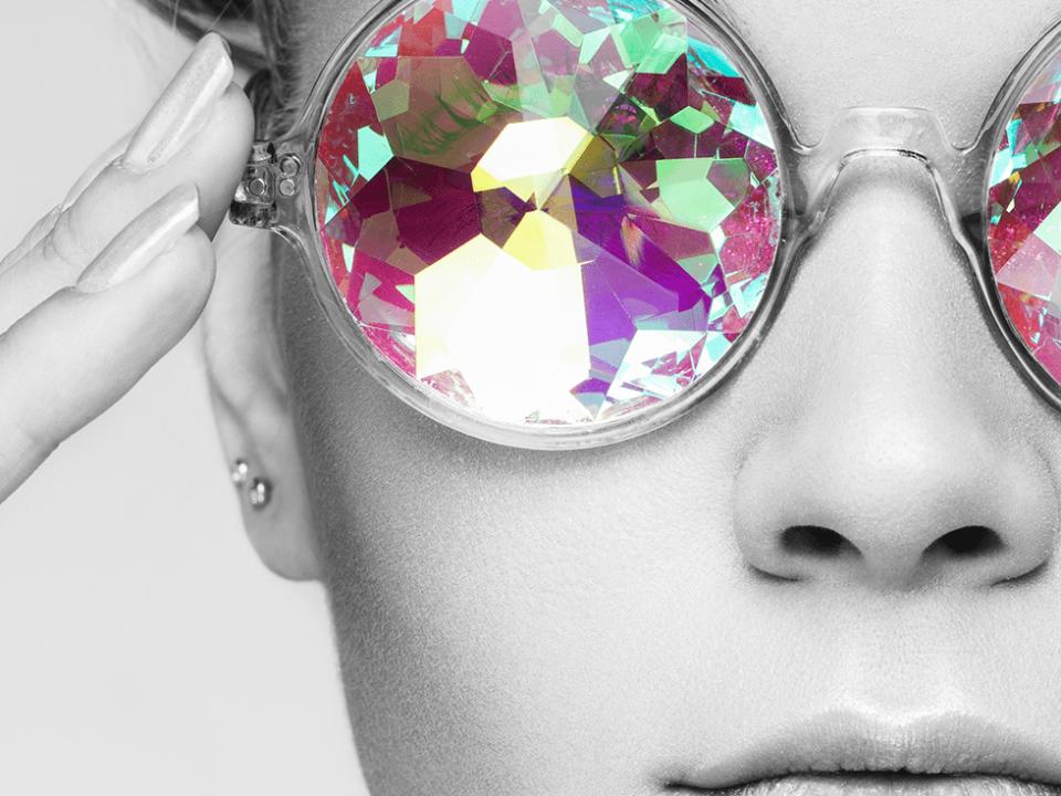 Sparkling eyewear