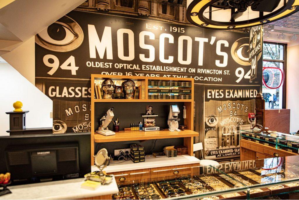 interno vintage store moscot