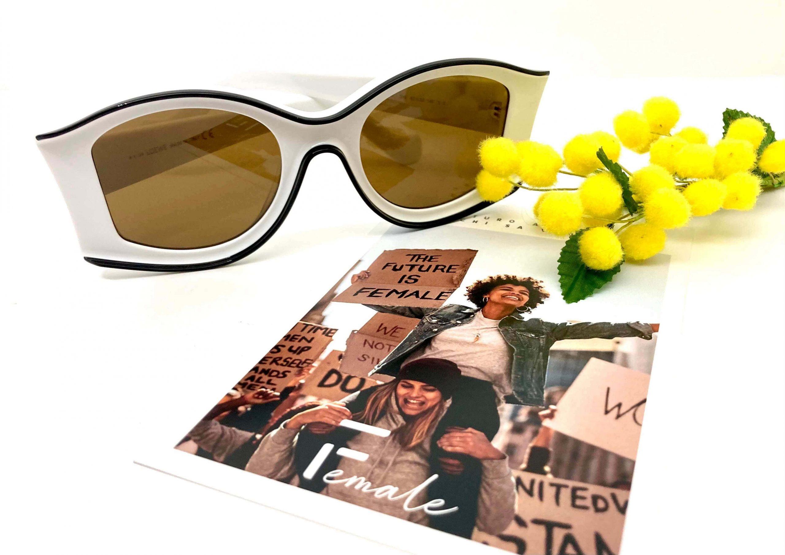 occhiali da sole donna LOEWElw40047 versione con immagine donne e mimosa
